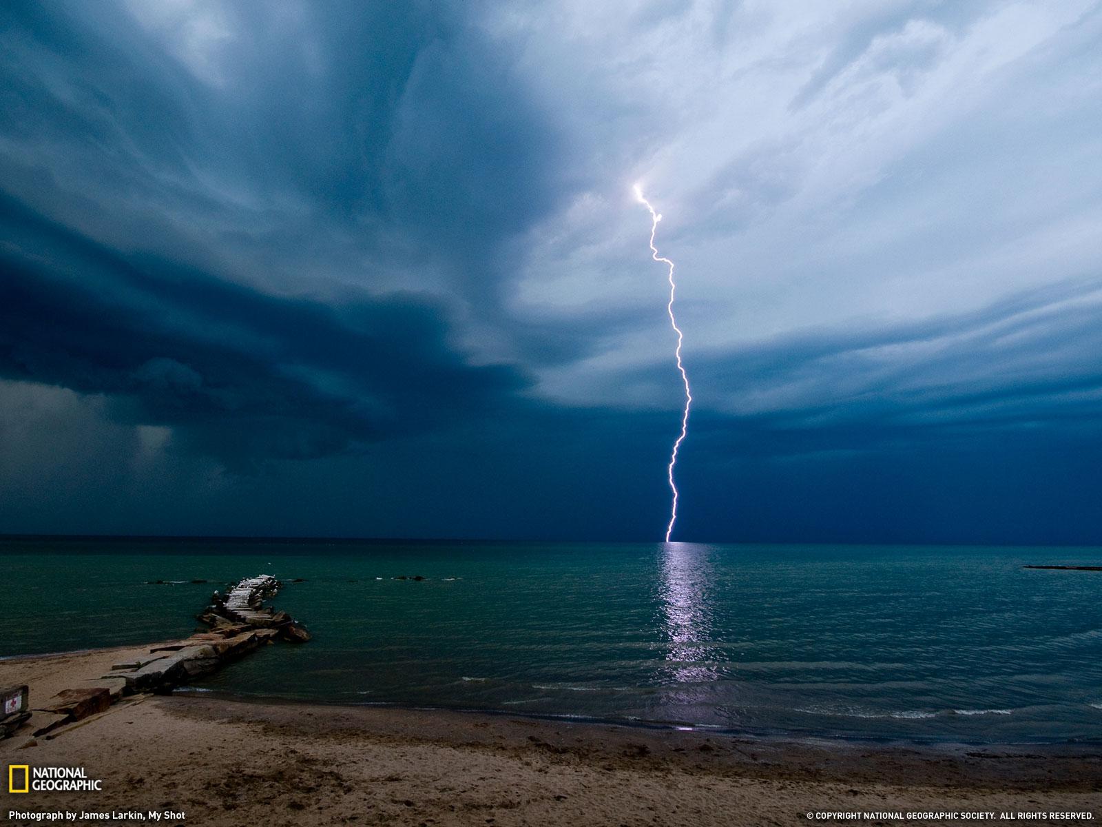 海滩闪电(图)